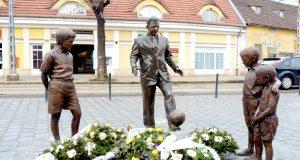 puskas_statue_in_obuda-1